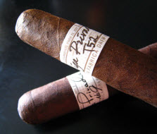 Drew_Estate_Liga_Privada_cigars_223x190